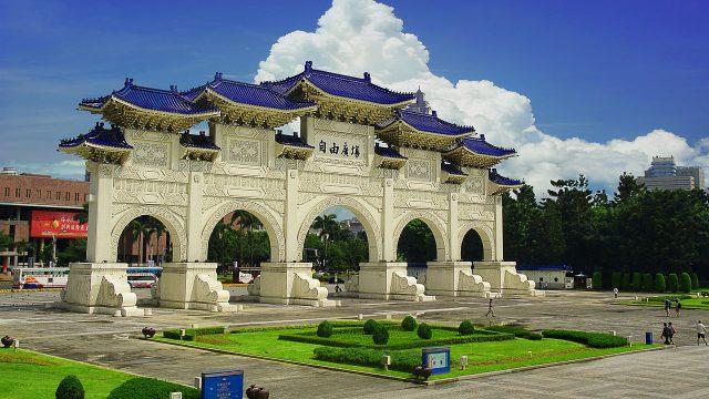 台北自由廣場門