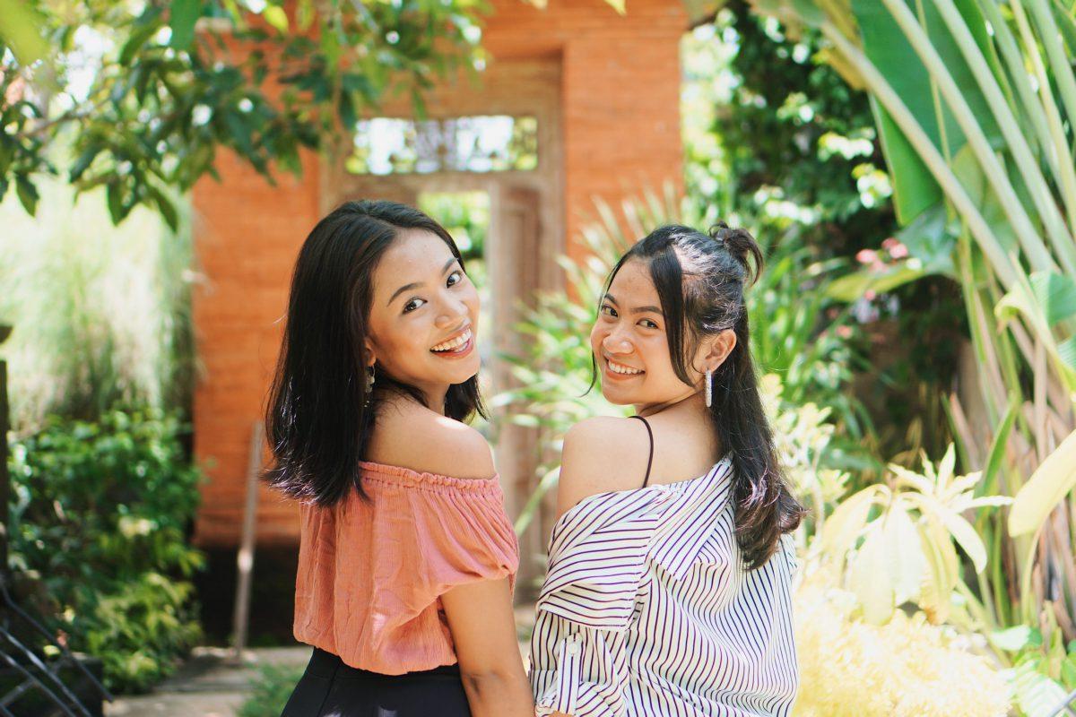 二人インドネシア人の女性